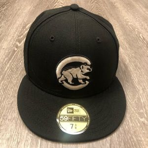 Chicago Cubs New Era Custom Walking Bear Sz 7 3/8